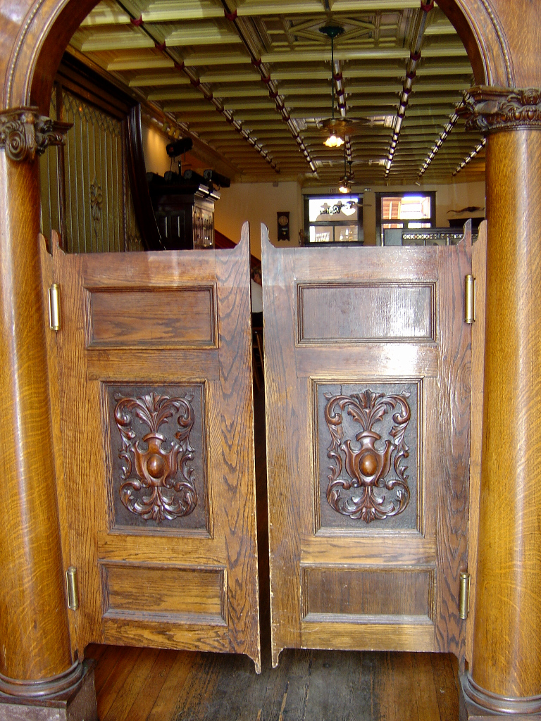 1000+ images about JIMS WOODEN SALOON DOORS on Pinterest ...