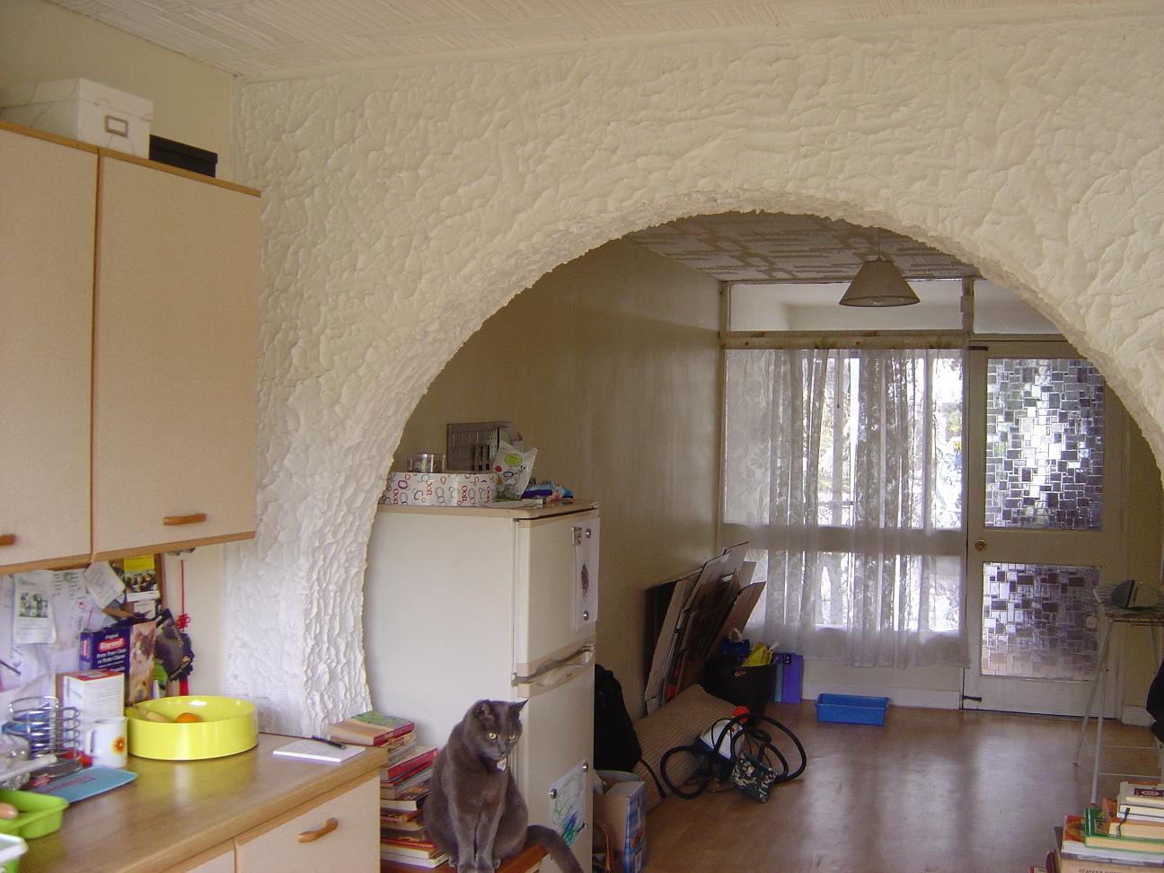 Pre reno kitchen arch 1